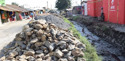 UNCLOGGING AHERO DRAINAGES